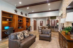 Apartments For Rent in Katy, TX - Clubhouse Interior Cyber Cafe, Seating Area and View of Kitchen